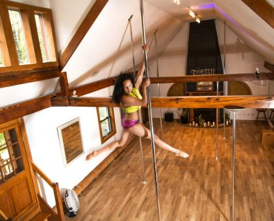 Incredipole Greenpoint Pole Dancing CLasses